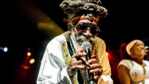 Bunny Wailer, légende du reggae et membre fondateur des Wailers avec Bob Marley, est mort à l'âge de 73 ans