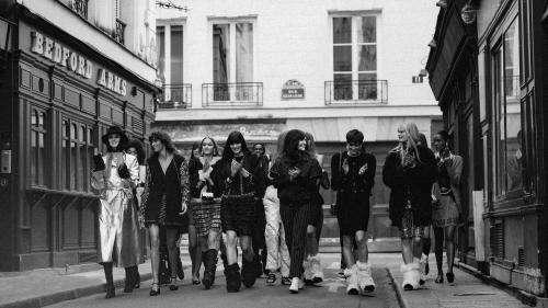 Paris Fashion Week : adieu le Grand Palais, Chanel défile dans un cadre intimiste, celui d'une boîte de nuit