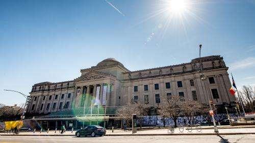 Pour faire face à la crise, des musées américains vendent des œuvres de leurs collections, une pratique controversée