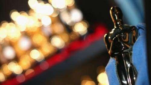 Cérémonie des Oscars 2021 : des stars en chair et en os sur le tapis rouge et tenue de soirée de rigueur