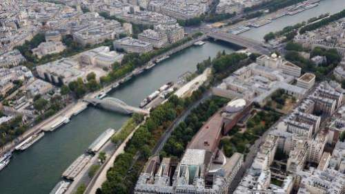 A Paris, une partie du quai Branly rebaptisé quai Jacques-Chirac