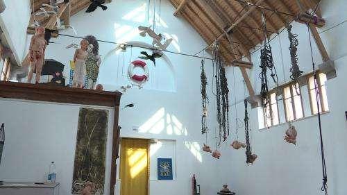 Les anciens bains douches de Cherbourg transformés en galerie d'art contemporain