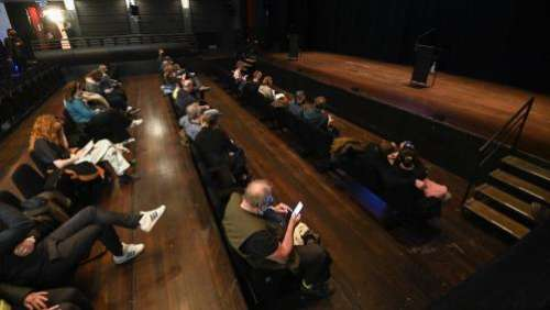 Au Théâtre royal flamand de Bruxelles, un spectacle test mais pas de perspective de réouverture