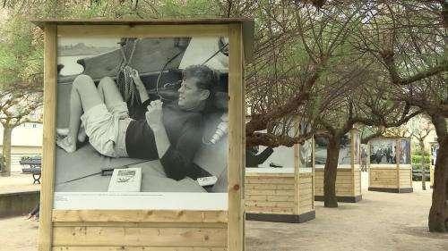 Biarritz rend hommage aux Kennedy avec 160 photos du couple exposées en plein air