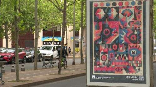 Street-art : à Montpellier, les artistes s'affichent sur les panneaux publicitaires
