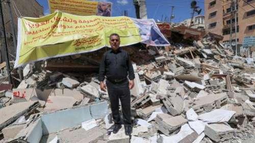 Gaza : la librairie al-Mansour, temple des livres de l'enclave palestinienne, détruite par une frappe israélienne