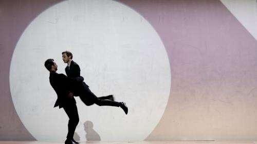 Biennale de la danse de Lyon : l'onde de choc de la nouvelle création de Dimitris Papaioannou secoue le festival