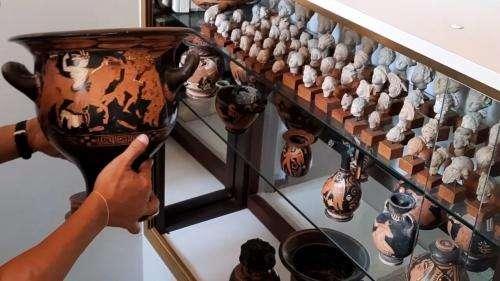 Plusieurs centaines d'objets archéologiques retrouvés en Belgique restitués à l'Italie