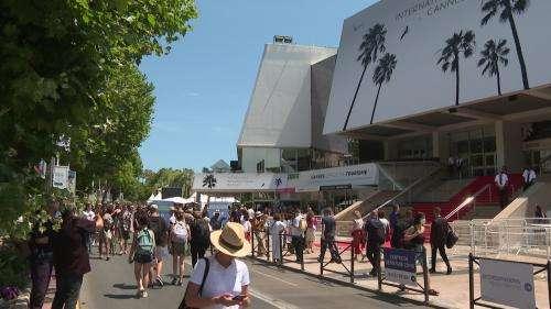 Tapis rouge recyclé, fin des bouteilles d'eau... Le Festival de Cannes se met au vert