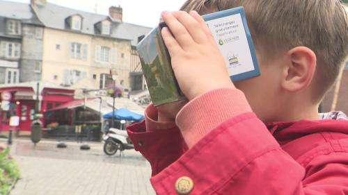 À Honfleur, des lunettes de réalité virtuelle pour découvrir la ville au temps du Moyen Âge
