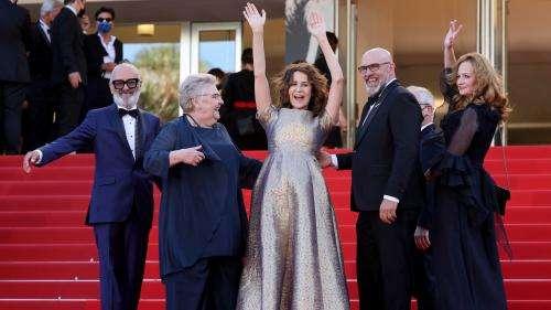 EN IMAGES. Festival de Cannes 2021. Valérie Lemercier, Arnaud Desplechin, Isabelle Huppert : du rire et des stars sur le tapis rouge