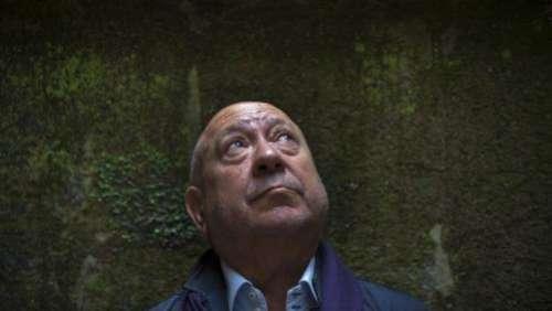 Le grand artiste plasticien Christian Boltanski, hanté par la mémoire et la mort, vient de disparaître à l'âge de 76 ans