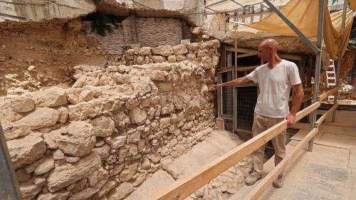 Des archéologues dévoilent de nouvelles portions de la muraille de Jérusalem datant de l'âge du Fer
