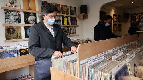 Hausse du prix des vinyles : le syndicat des disquaires indépendants dénonce les maisons de disques qui cherchent à faire