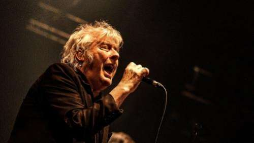 Soigné pour un cancer, le chanteur Arno annule ses concerts prévus jusqu'à la fin de l'hiver