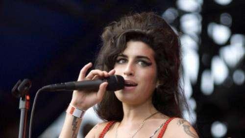Dix ans après sa mort, la chanteuse Amy Winehouse