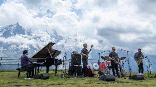 Cosmojazz Festival : Kyle Eastwood et son quintette revisitent les musiques de film sur les sommets de Chamonix