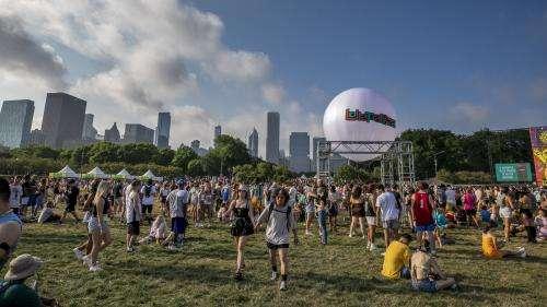 Le festival de musique Lollapalooza a débuté à Chicago, en pleine remontée des cas de Covid-19
