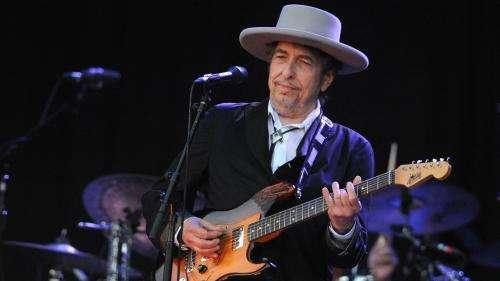 Etats-Unis: un tribunal poursuit le chanteur Bob Dylan, suspecté d'avoir agressé une mineure en 1965