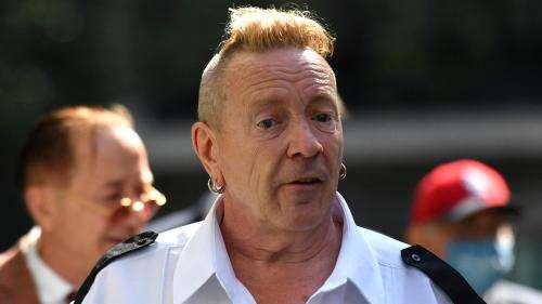 Sex Pistols : la justice britannique tranche une bagarre juridique entre Johnny Rotten et deux autres membres du groupe punk