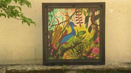 Dans les Côtes-d'Armor, le peintre de renommée internationale Alain Thomas nous invite à un voyage dans son jardin d'Eden