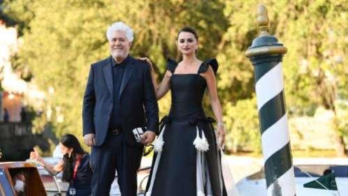 Mostra de Venise : coup d'envoi du festival avec le vétéran Almodovar et sa muse, Penelope Cruz