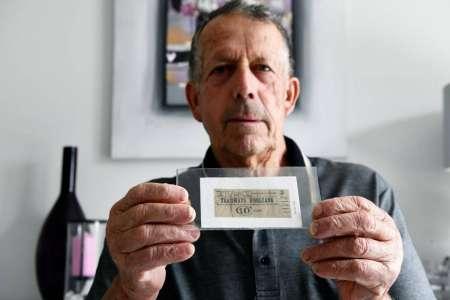 Collections (2/8)            Jean-Paul Robert collectionne les tickets sans tiquer