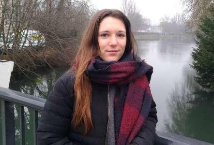 Portrait            Qui est Cassandra Baratin, premier bébé de l'an 2000 à Bourges ?