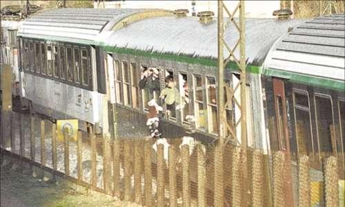 Décès            Le jour où Rémy Julienne a organisé la reconstitution judiciaire du meurtre d'Isabel Peake, jetée du train Limoges-Paris, dans le Be...
