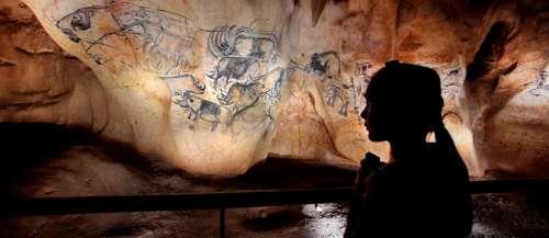 Les lions envahissent la grotte Chauvet