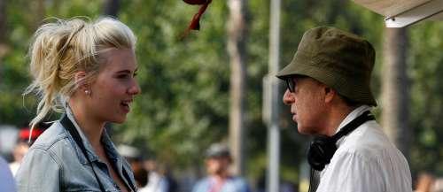 «Je retravaillerai avec lui»: Scarlett Johanssonprend la défensede Woody Allen