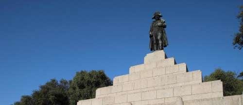 Emmanuel Macron célébrera le bicentenaire de la mort de Napoléon