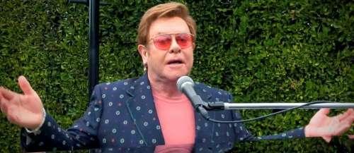 Elton John dénonce « l'hypocrisie » du Vatican