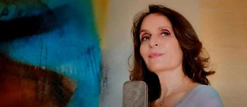 Clémentine, la chanteuse française méconnue devenue une star au Japon