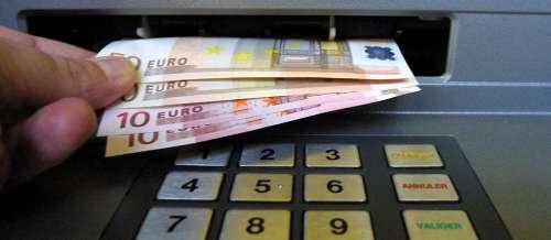 Cybersécurité: il parvient à pirater un distributeur de billets avec un smartphone