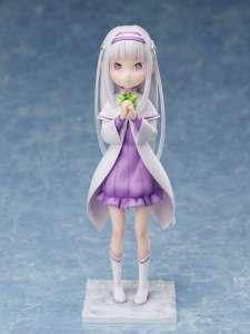 Emilia retombe en enfance chez FuRyu