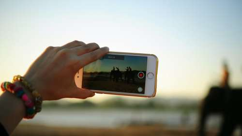 Comment enregistrer une vidéo sur iPhone et Android sans couper la musique