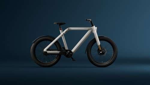 VanMoof V : la startup hollandaise dévoile un vélo électrique « speedbike » à deux moteurs