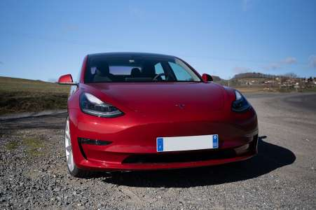 Tesla: la Model 3 est la voiture électrique la plus vendue en France, en 2021
