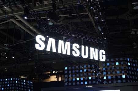 Galaxy S22: le futur concurrent de l'iPhone 13 enverrait aussi du lourd