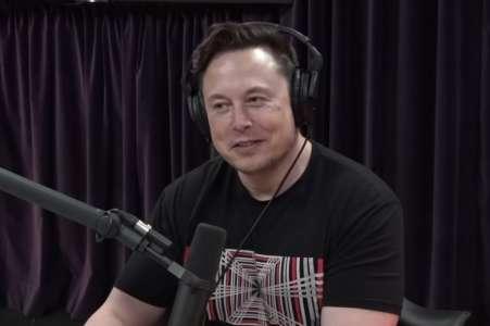 """""""Il dort encore"""", quand Elon Musk se moque de Joe Biden"""