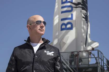 Jeff Bezos a besoin d'argent pour son yacht et sa fusée