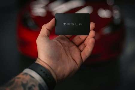 Tesla: Elon Musk admet que la Conduite entièrement autonome n'est pas au point