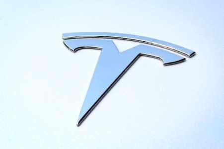 Tesla Autopilot: les Etats-Unis enquêtent après des accidents avec des véhicules d'urgence