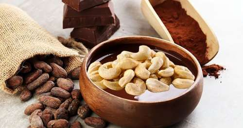 C'est officiel : Manger du chocolat avec des noix de cajou permet de vivre plus longtemps