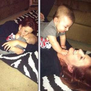 « Adieu petit ange » Une femme s'effondre et pleure la mort de son fils