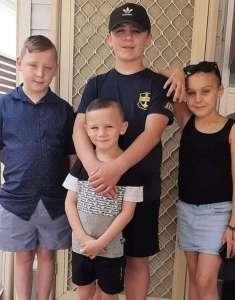 Ce papa de 4 enfants va mourir mais il ne peut dire adieu qu'à un seul d'entre eux