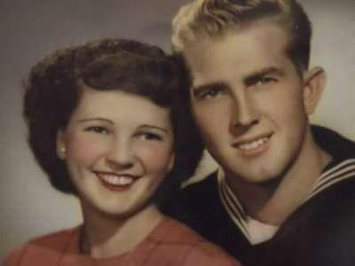 « Des amoureux inséparables » Mariés depuis 67 ans, ils se donnent la main avant de mourir