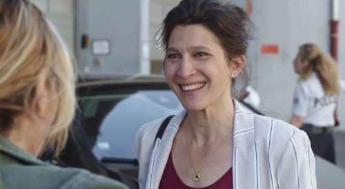 Plus belle la vie en avance : Ariane rencontre la soeur d'Alex (vidéo PBLV épisode n°4075)