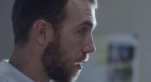 Plus belle la vie en avance : Kévin retrouve l'arme du crime (vidéo PBLV épisode n°4102)
